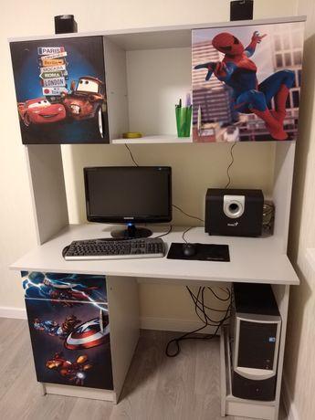 Кампьютерный стол новый