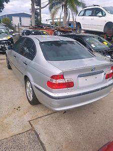Продава се BMW 318 2001 Само На Части