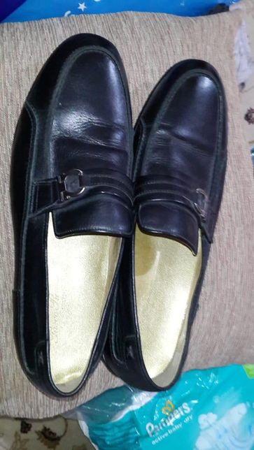 Продаётся кожаный мужские туфли