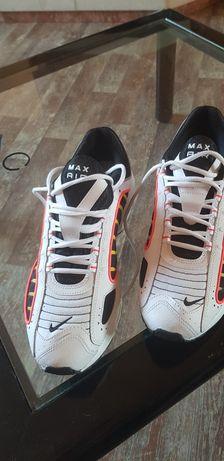 Vând adidași Nike Air max model nou