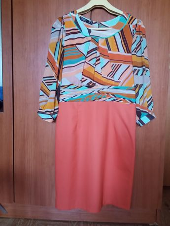 Продам турецкие платье по 2000тг много