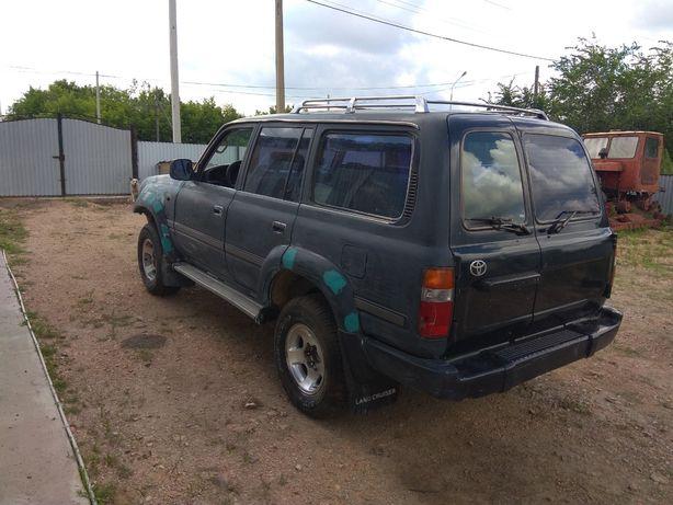 Продам машину Toyota Land Cruiser