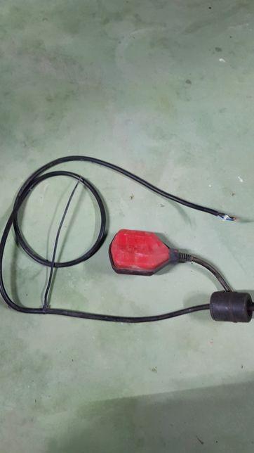 Plutitor electric