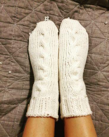 Sosete albe tricotate manual