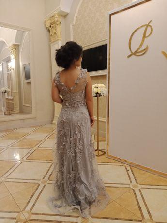 Платье с 3д цветочками