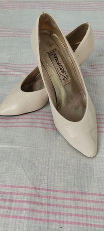Продаю б/у обувь