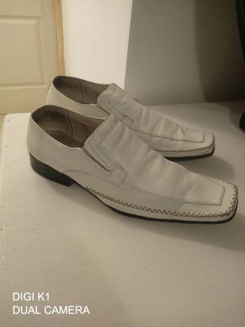 Pantofi albi de piele