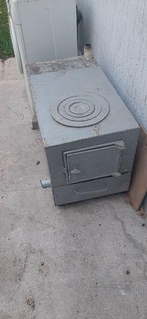 Печка на твёрдом топливе