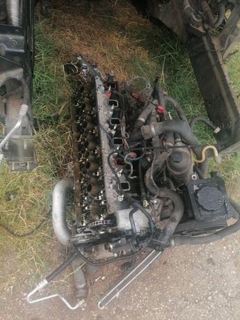Двигател е60 2.5D на части