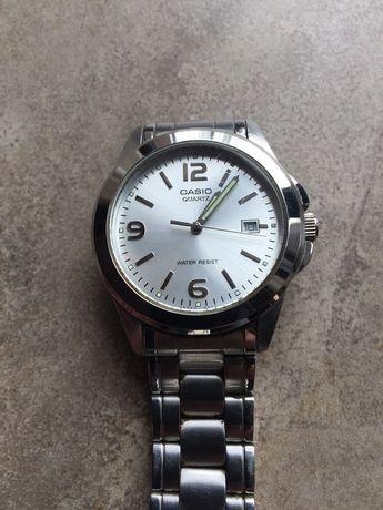 Ръчен часовник Casio