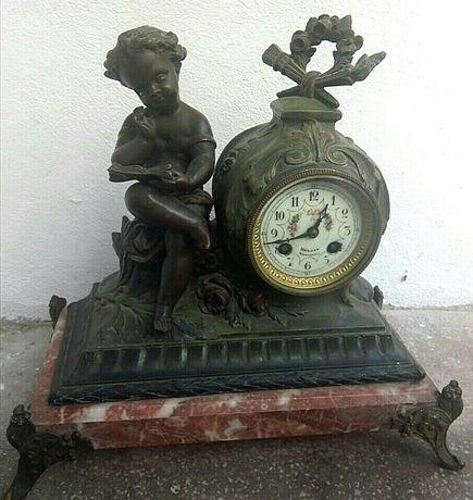 Antic ceas de șemineu sec 19 tara de proveniență Franța ,,statueta cop