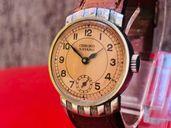 Ръчен часовник от втората световна война, чисто нов!
