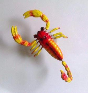 Сувенирный скорпион ( на магните )