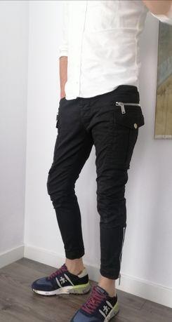 Pantaloni DSQUARED, marimea 50(48), originali 100% garantat!