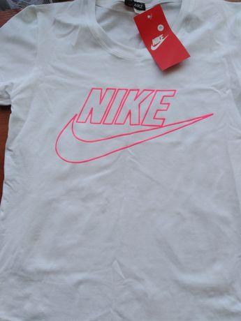 Тениска Nikeeeee