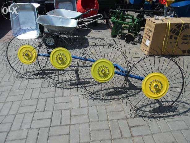 Grebla tip soare cu patru elemente active pentru motocultor /tractoras