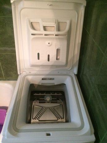 Vând Mașina de Spălat Whirlpool