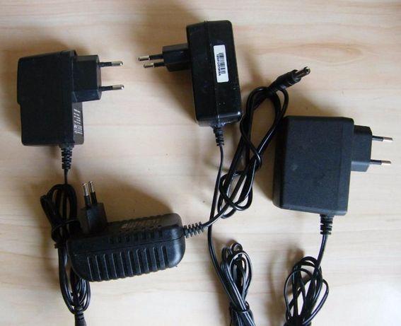 Alimentatoare 12 V , 9 V ,5 V - 2A, 1,5A Diverse modele