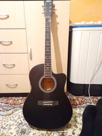 Продам гитару. Гитара матовый