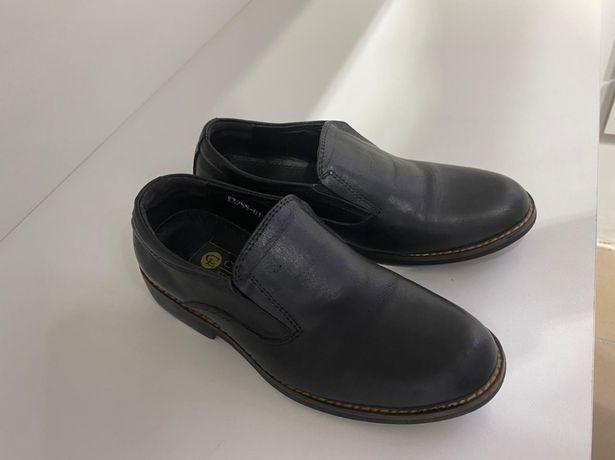 Продам детскую обувь от 500тг