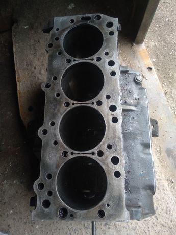 Блок двигателя 4D56