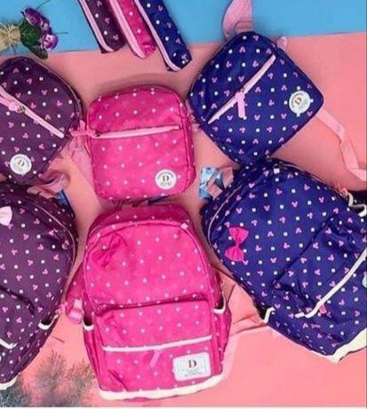 Продам новый рюкзак. 3в1 .Цвет что на фото с права.