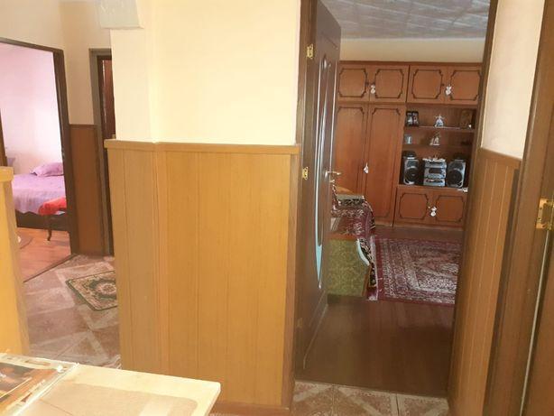 Apartament 3 camere, Costesti
