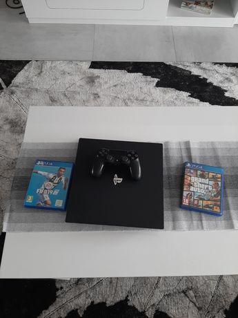 Vand PS 4 PRO+2 jocuri