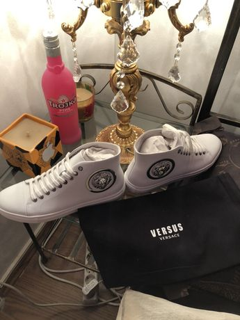Vand Versace Medusa sneakers brand new