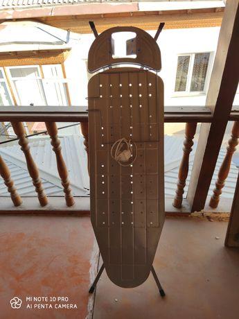 Гладильный стол с розеткой в хорошем состояние цена 10 000 тенге