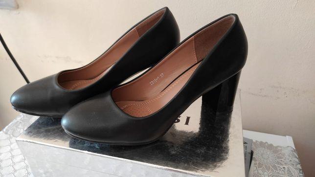 Продам новые туфли
