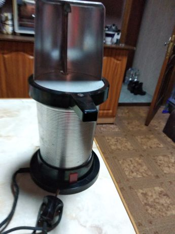 Гейзерная кофеварка электрическая
