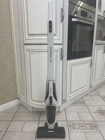 Вертикальный пылесос Samsung