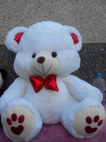 Для милого сердцу человечка. Абсолютно новый, медведь большой!
