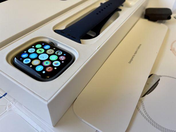 Apple Watch Series 4 44mm Fullbox