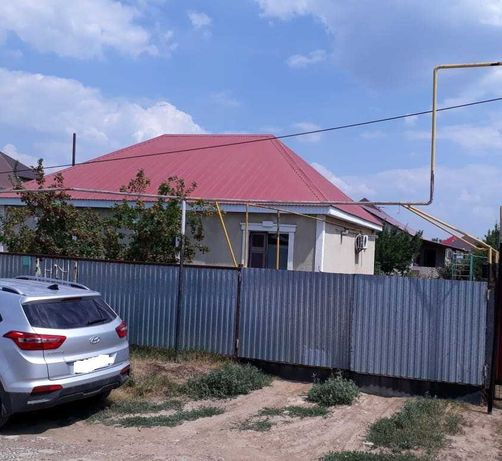 """Дом в п.Зачаганск, в районе детской областной больницы и  """"Алтындар""""."""