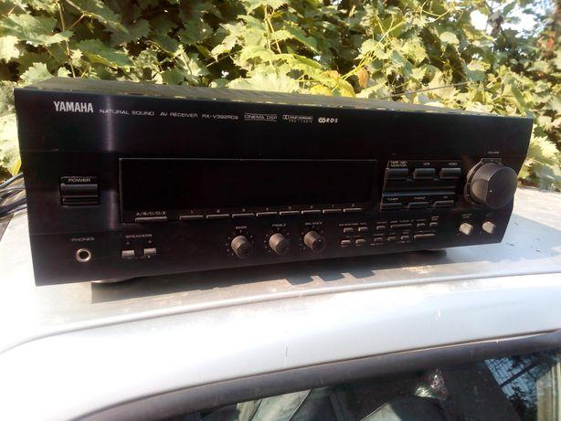 Yamaha model RX-V392
