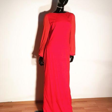 Платье и нарядное и можно его превратить в коктельное укорачиванием.