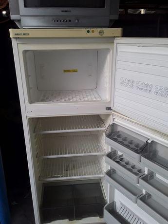 ЦЕНА С ДОСТАВКОЙ холодильник веко в рабочем состоянии
