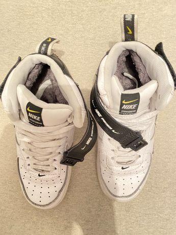 Обувь осень зима подростковая брендовая! Разм 35-36 Очень отличное сос