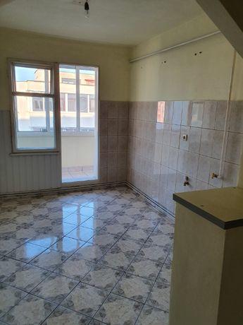 Vand apartament 2 camere in George Enescu