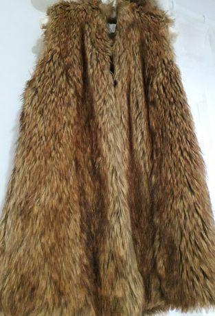 Vesta din blana Zara
