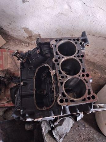 Двигатель по запчастям ауди с4 2.6