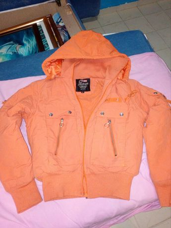 Зимно яке в оранжево
