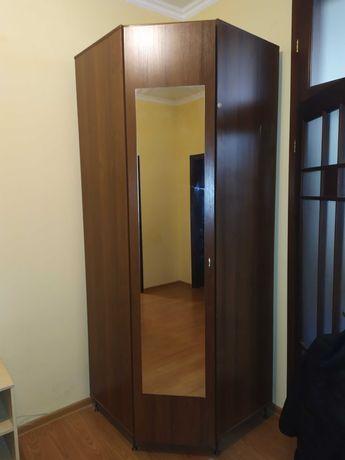 Шкаф угловой с зеркалом