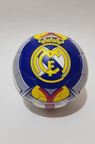 Топка Реал Мадрид Фенска размер 5ца За Асфалт и Трева