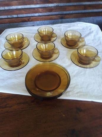 Чаши за чай, кафе, мляко и сладкиши