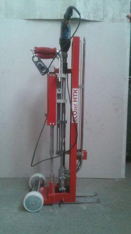 Mașină de montat dibluri pentru hidroizolație
