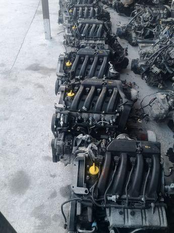 Двигатель на Рено Renault Lada Largus Ларгус К4М К7М F4R 1.6 2.0 1.9