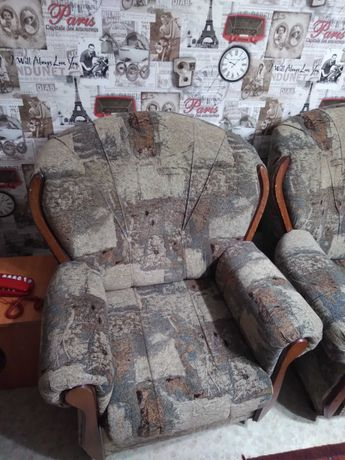 Диван + кресло в хорошем состоянии